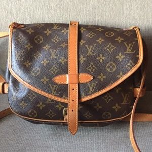 Handbags - Louis Vuitton Saumur 30